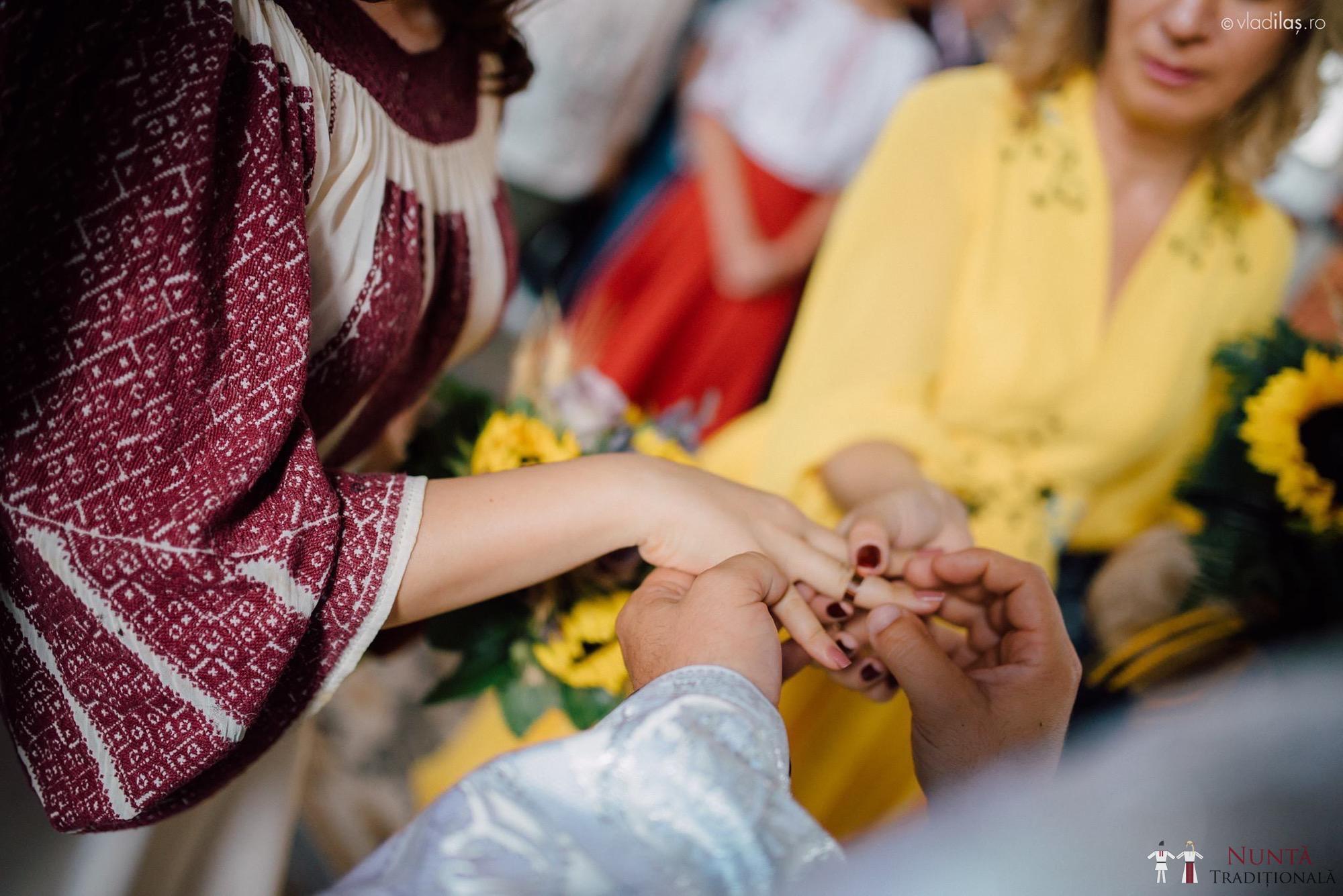Povești Nunți Tradiționale - Oana și Sergiu - Nuntă tradițională-n Pojorâta, Bucovina 47