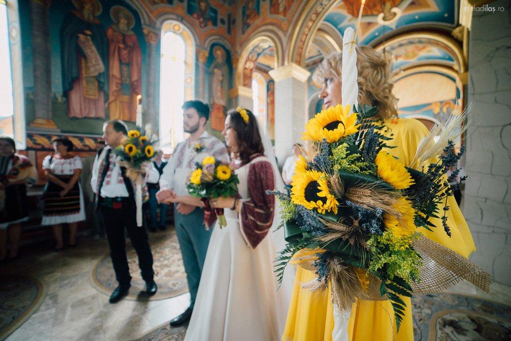 Povești Nunți Tradiționale - Oana și Sergiu - Nuntă tradițională-n Pojorâta, Bucovina 17