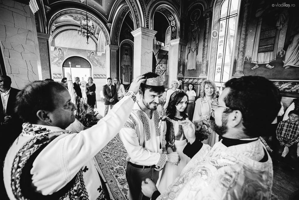 Povești Nunți Tradiționale - Oana și Sergiu - Nuntă tradițională-n Pojorâta, Bucovina 16