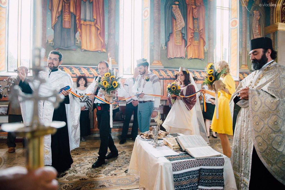 Povești Nunți Tradiționale - Oana și Sergiu - Nuntă tradițională-n Pojorâta, Bucovina 13