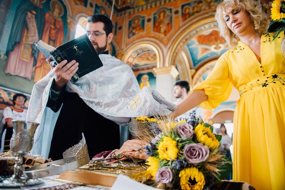 Povești Nunți Tradiționale - Oana și Sergiu - Nuntă tradițională-n Pojorâta, Bucovina 12