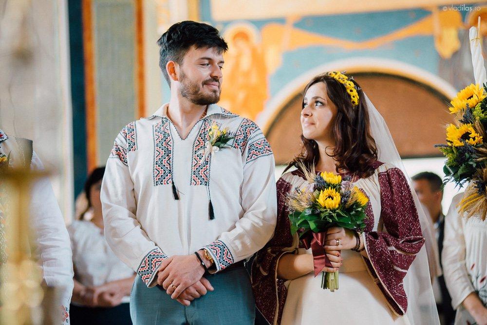 Povești Nunți Tradiționale - Oana și Sergiu - Nuntă tradițională-n Pojorâta, Bucovina 11