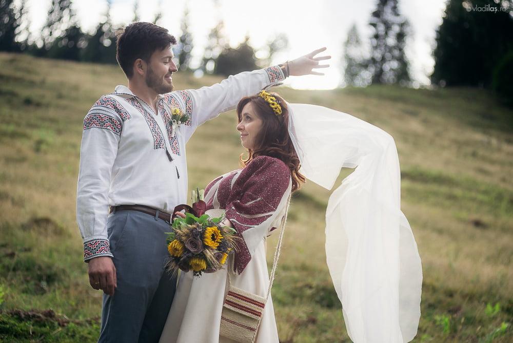 Povești Nunți Tradiționale - Oana și Sergiu - Nuntă tradițională-n Pojorâta, Bucovina 5