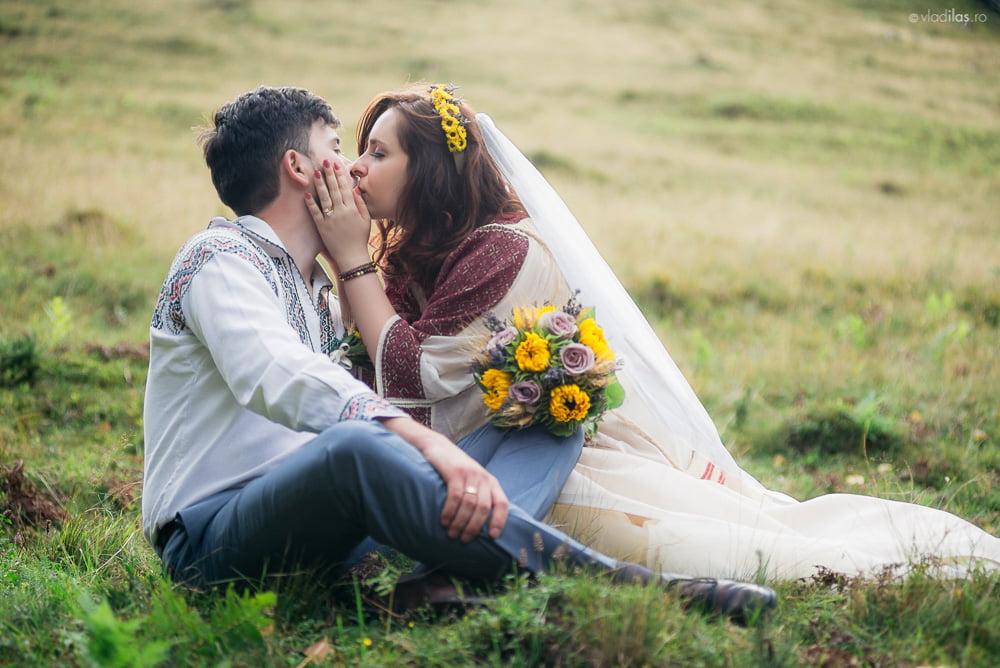 Povești Nunți Tradiționale - Oana și Sergiu - Nuntă tradițională-n Pojorâta, Bucovina 4
