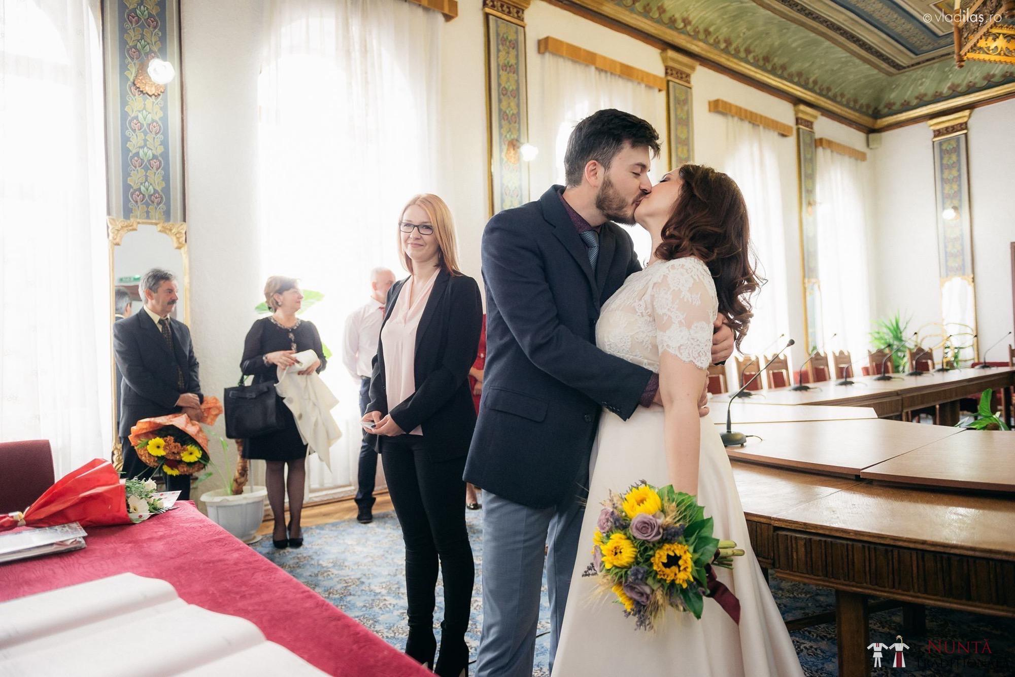 Povești Nunți Tradiționale - Oana și Sergiu - Nuntă tradițională-n Pojorâta, Bucovina 42