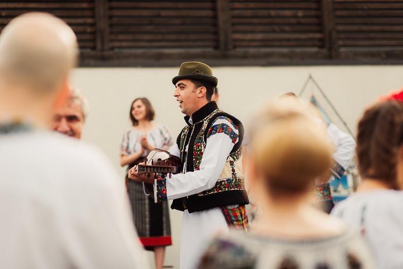Povești Nunți Tradiționale - Simina și Andrei - Cu veselie despre nunta tradițională din Horodnic, Suceava 26