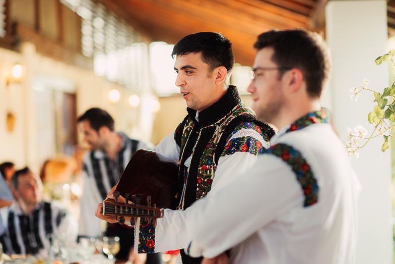 Povești Nunți Tradiționale - Simina și Andrei - Cu veselie despre nunta tradițională din Horodnic, Suceava 19