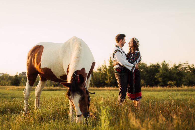 Povești Nunți Tradiționale - Simina și Andrei - Cu veselie despre nunta tradițională din Horodnic, Suceava 13