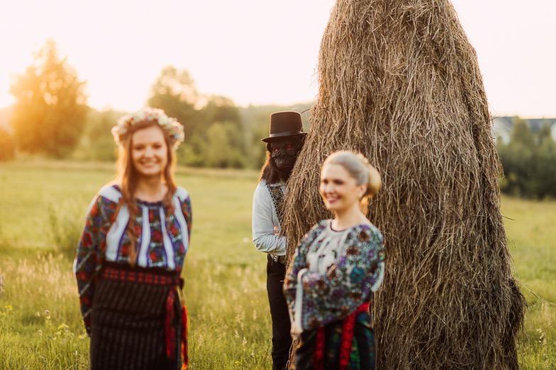 Povești Nunți Tradiționale - Simina și Andrei - Cu veselie despre nunta tradițională din Horodnic, Suceava 4