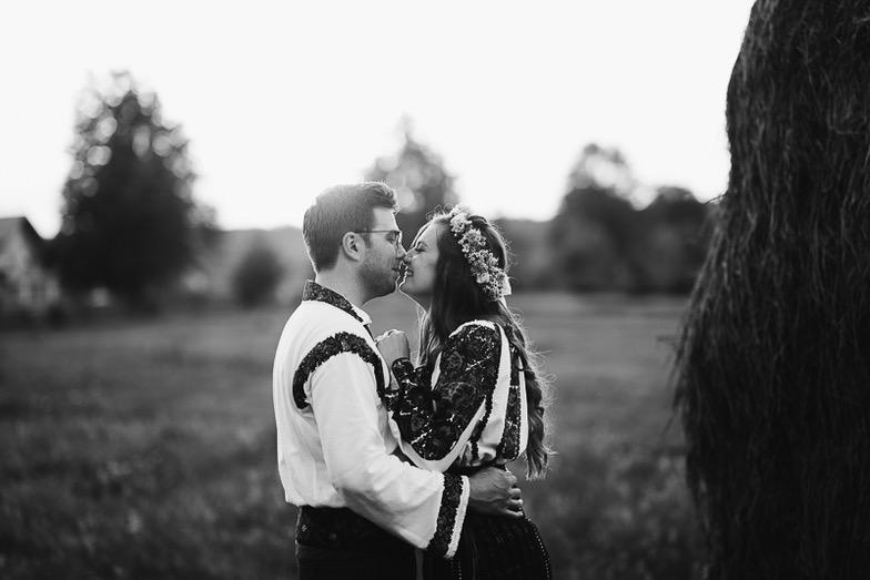 Povești Nunți Tradiționale - Simina și Andrei - Cu veselie despre nunta tradițională din Horodnic, Suceava 3