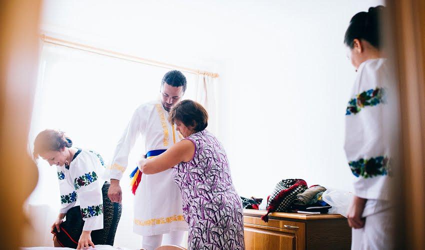 Povești Nunți Tradiționale - Cristina si Cornel - Nunta celor trei luni de vară 77