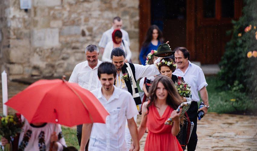Povești Nunți Tradiționale - Cristina si Cornel - Nunta celor trei luni de vară 60