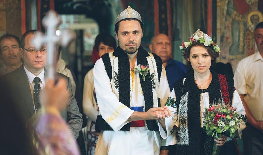 Povești Nunți Tradiționale - Cristina si Cornel - Nunta celor trei luni de vară 37
