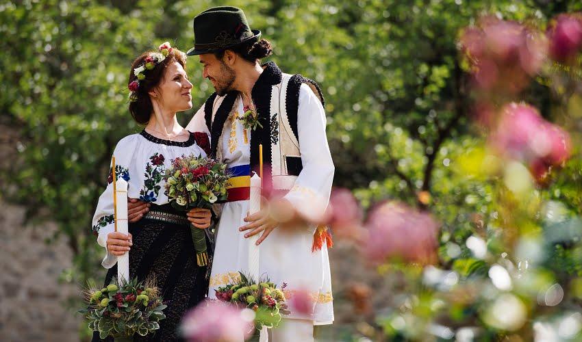 Povești Nunți Tradiționale - Cristina si Cornel - Nunta celor trei luni de vară 33