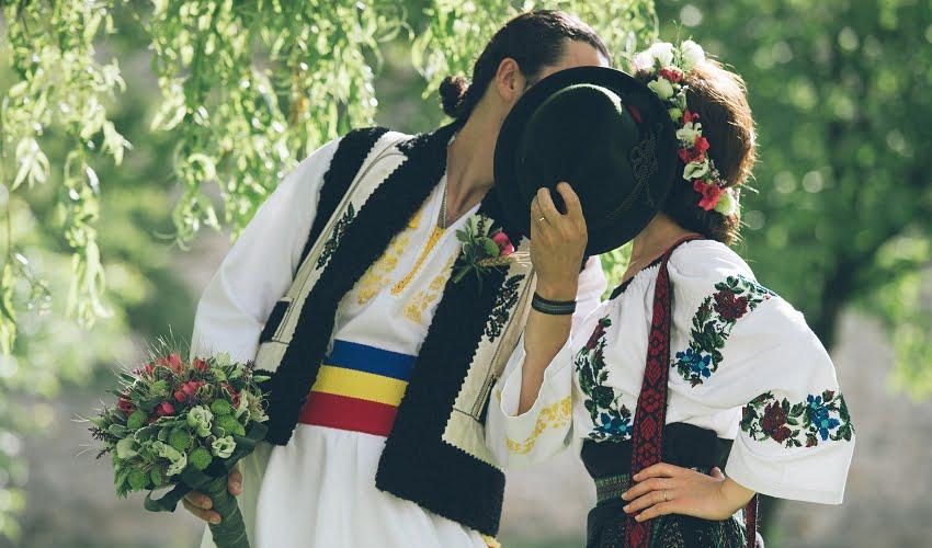 Povești Nunți Tradiționale - Cristina si Cornel - Nunta celor trei luni de vară 30