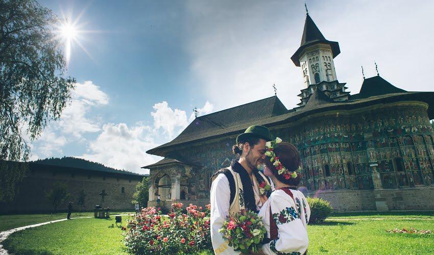 Povești Nunți Tradiționale - Cristina si Cornel - Nunta celor trei luni de vară 29