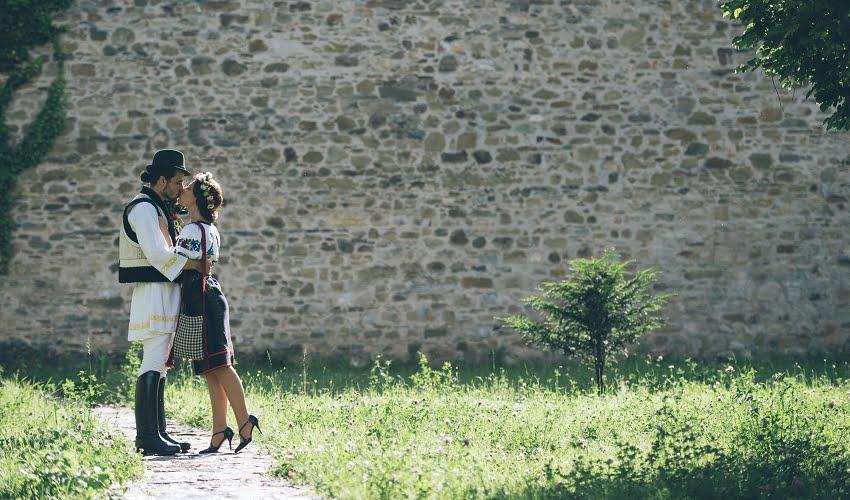Povești Nunți Tradiționale - Cristina si Cornel - Nunta celor trei luni de vară 22