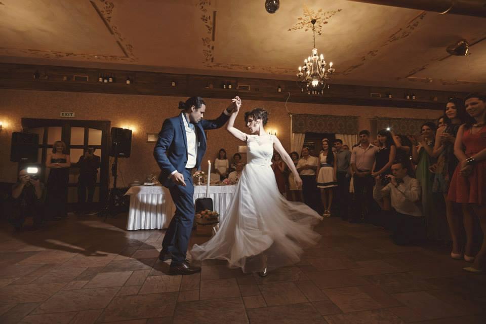 Povești Nunți Tradiționale - Cristina si Cornel - Nunta celor trei luni de vară 4
