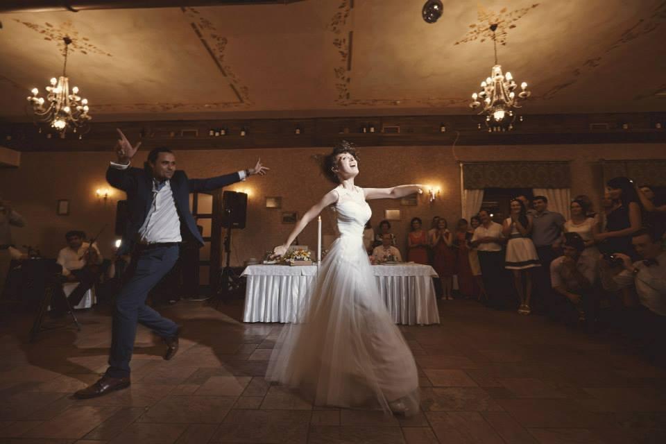 Povești Nunți Tradiționale - Cristina si Cornel - Nunta celor trei luni de vară 3