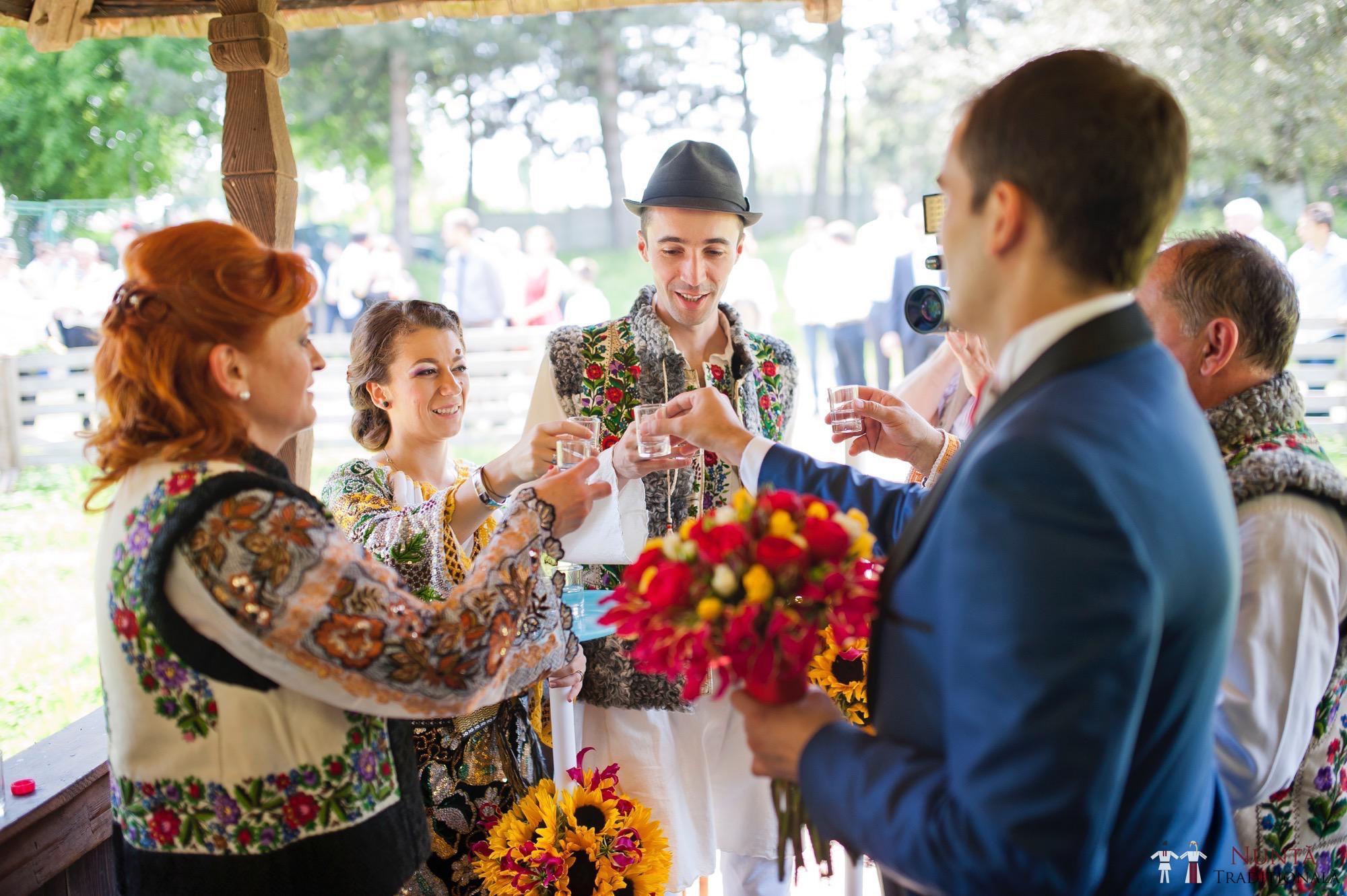 Povești Nunți Tradiționale - Gabriela și Mădălin - Nuntă Tradițională în Suceava, Bucovina 95