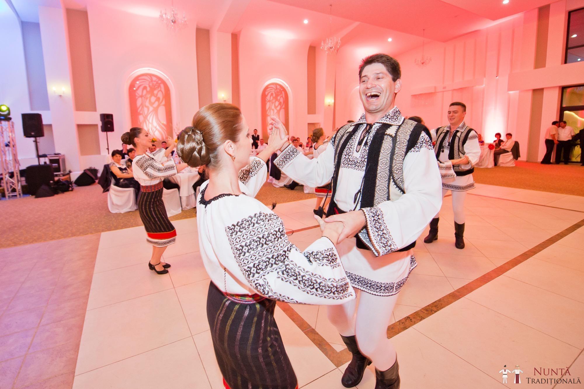 Povești Nunți Tradiționale - Gabriela și Mădălin - Nuntă Tradițională în Suceava, Bucovina 44