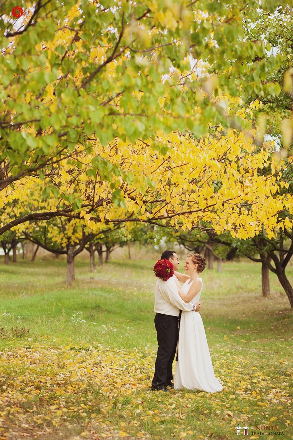 Povești Nunți Tradiționale - Ionatan și Andrea - Nuntă în Crișana. Să ne îmbătăm cu veselia nunții, în culorile toamnei 63