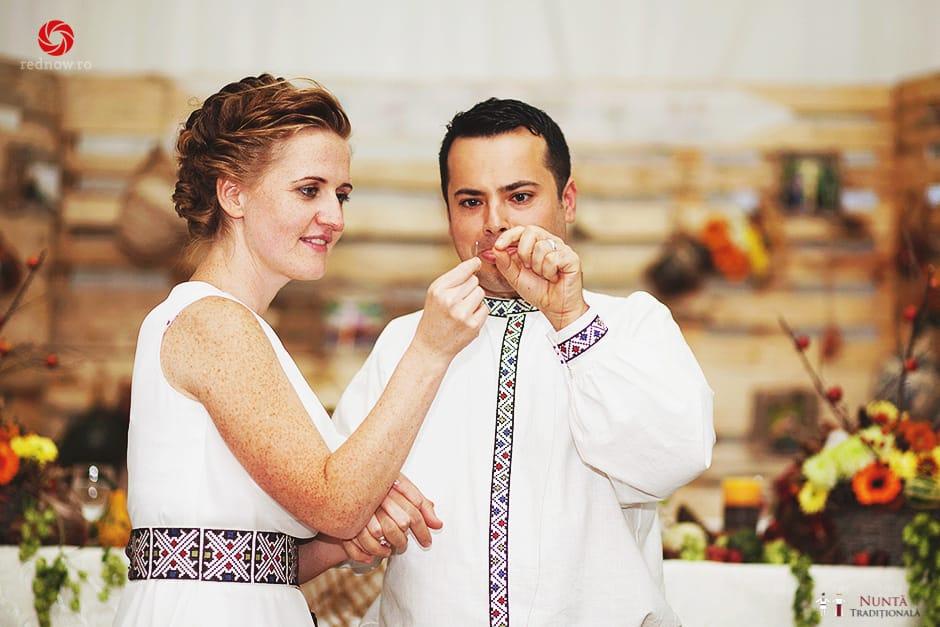 Povești Nunți Tradiționale - Ionatan și Andrea - Nuntă în Crișana. Să ne îmbătăm cu veselia nunții, în culorile toamnei 45