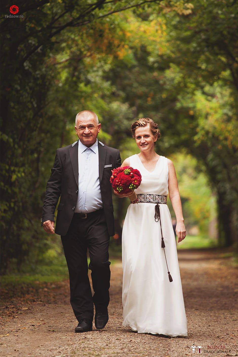 Povești Nunți Tradiționale - Ionatan și Andrea - Nuntă în Crișana. Să ne îmbătăm cu veselia nunții, în culorile toamnei 86