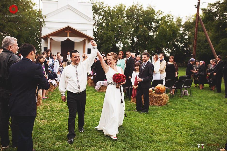 Povești Nunți Tradiționale - Ionatan și Andrea - Nuntă în Crișana. Să ne îmbătăm cu veselia nunții, în culorile toamnei 22