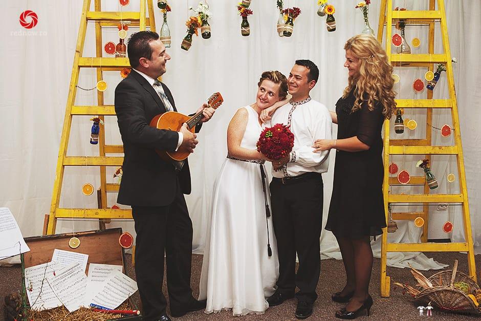 Povești Nunți Tradiționale - Ionatan și Andrea - Nuntă în Crișana. Să ne îmbătăm cu veselia nunții, în culorile toamnei 19