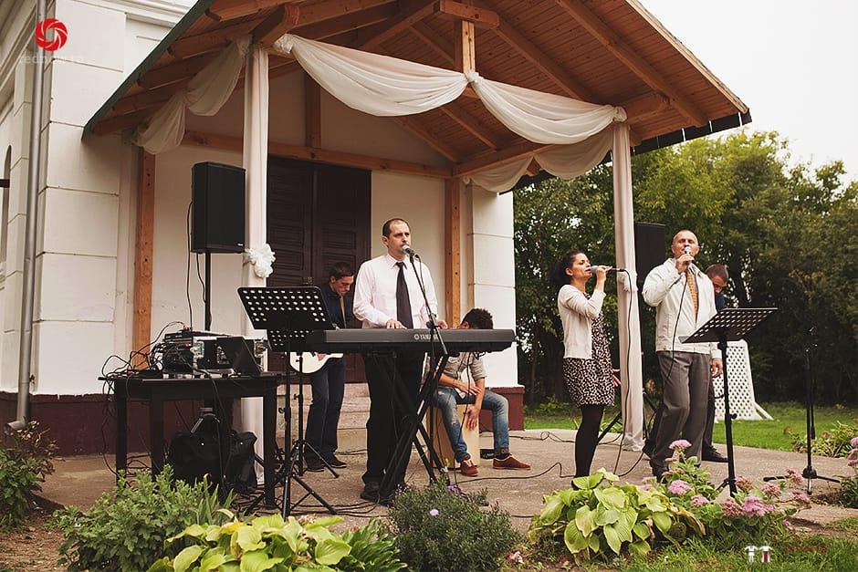 Povești Nunți Tradiționale - Ionatan și Andrea - Nuntă în Crișana. Să ne îmbătăm cu veselia nunții, în culorile toamnei 9