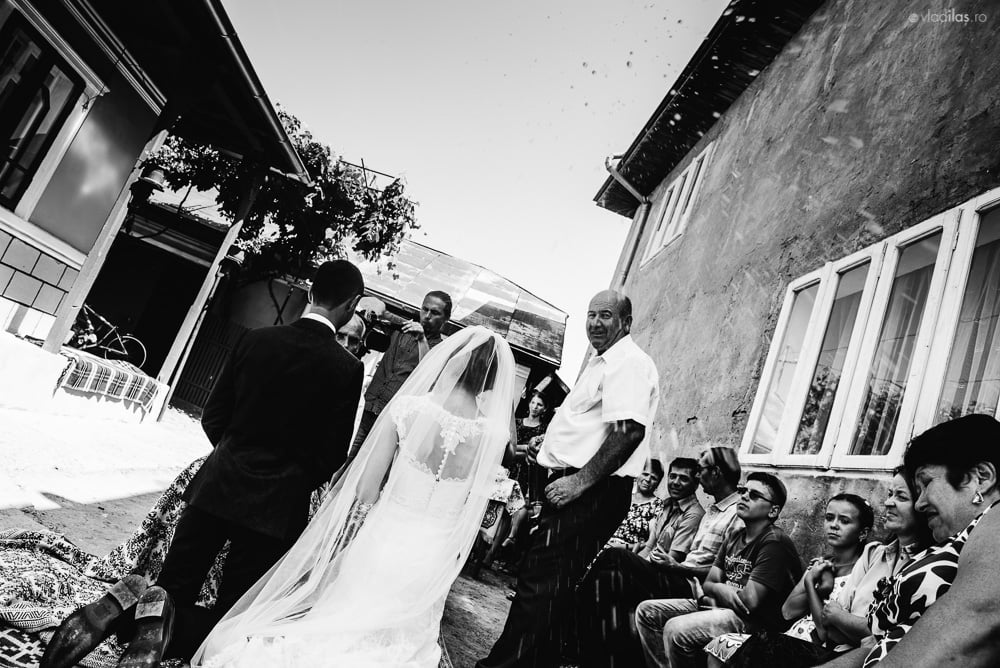 Povești Nunți Tradiționale - Mihaela și Paul - Nuntă în ținutul Neamțului 78