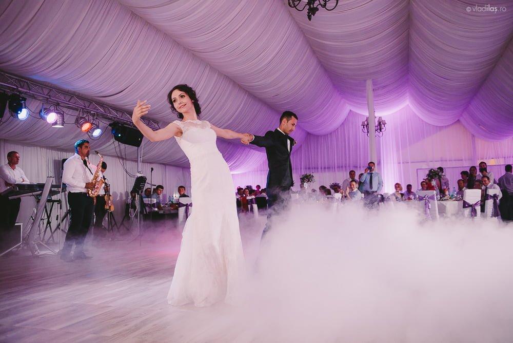 Povești Nunți Tradiționale - Mihaela și Paul - Nuntă în ținutul Neamțului 41