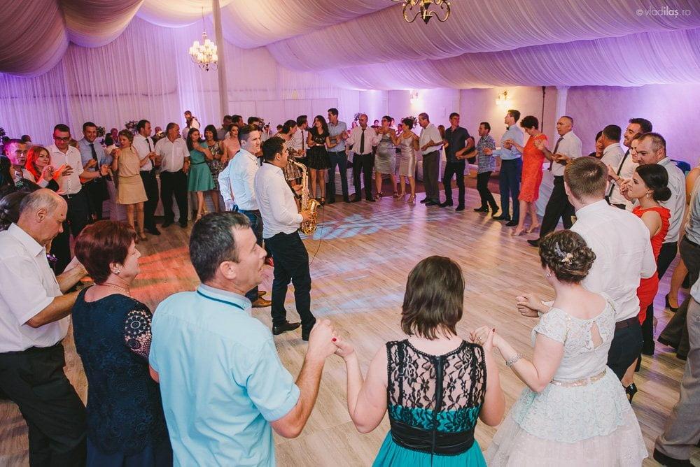 Povești Nunți Tradiționale - Mihaela și Paul - Nuntă în ținutul Neamțului 40