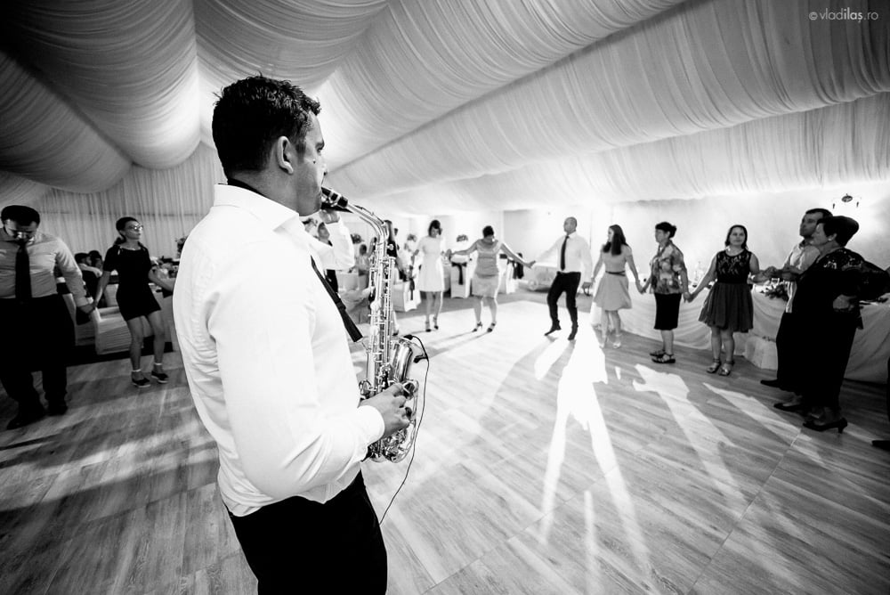 Povești Nunți Tradiționale - Mihaela și Paul - Nuntă în ținutul Neamțului 38