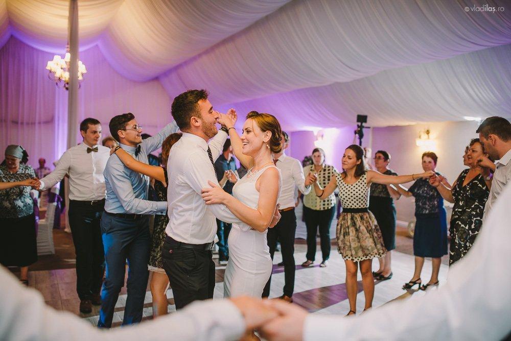 Povești Nunți Tradiționale - Mihaela și Paul - Nuntă în ținutul Neamțului 37