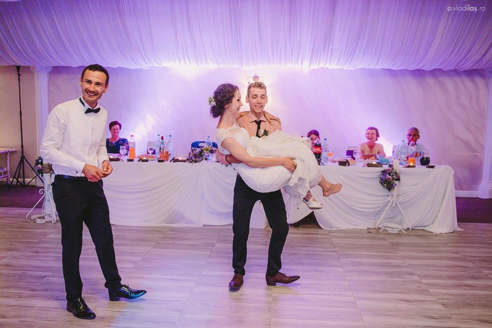 Povești Nunți Tradiționale - Mihaela și Paul - Nuntă în ținutul Neamțului 27