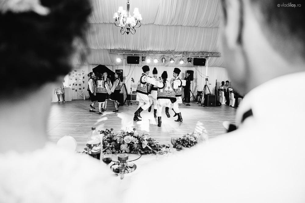 Povești Nunți Tradiționale - Mihaela și Paul - Nuntă în ținutul Neamțului 24