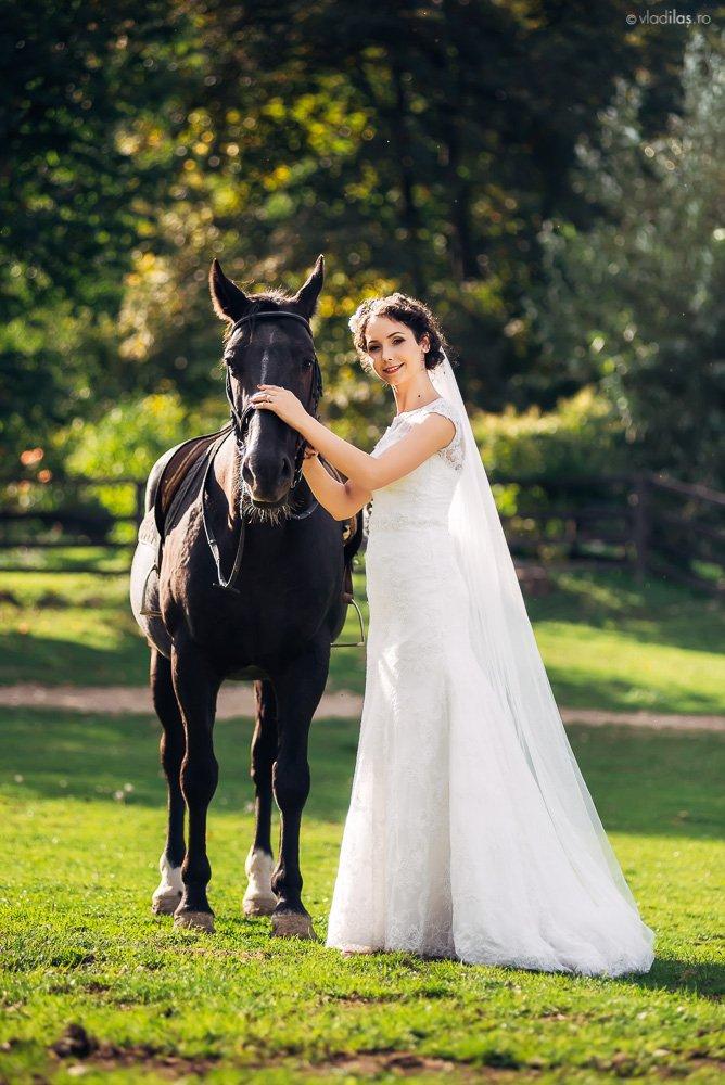 Povești Nunți Tradiționale - Mihaela și Paul - Nuntă în ținutul Neamțului 14