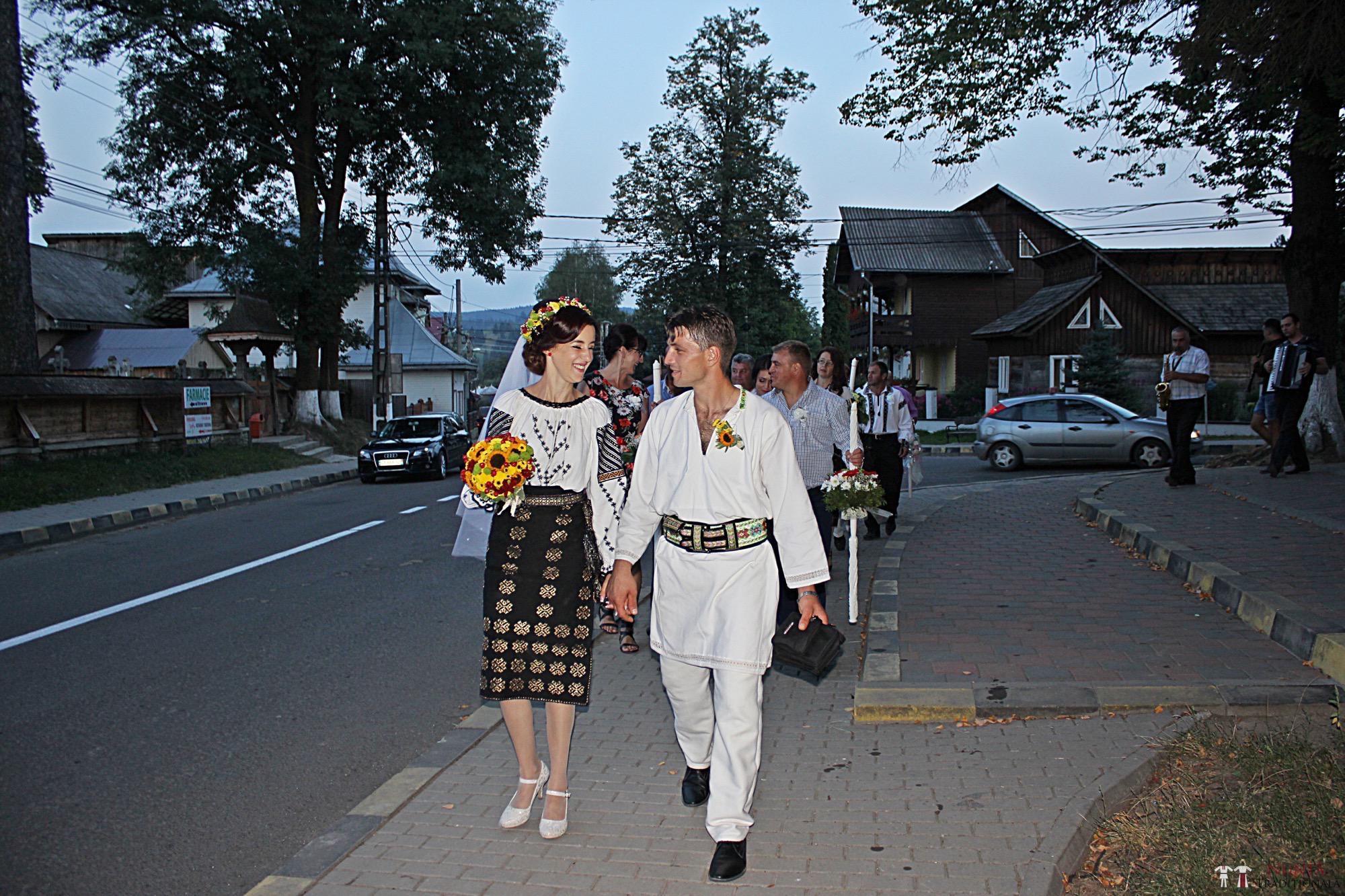 Povești Nunți Tradiționale - Geta și Gavril. Nuntă acasă, în Bucovina. 13