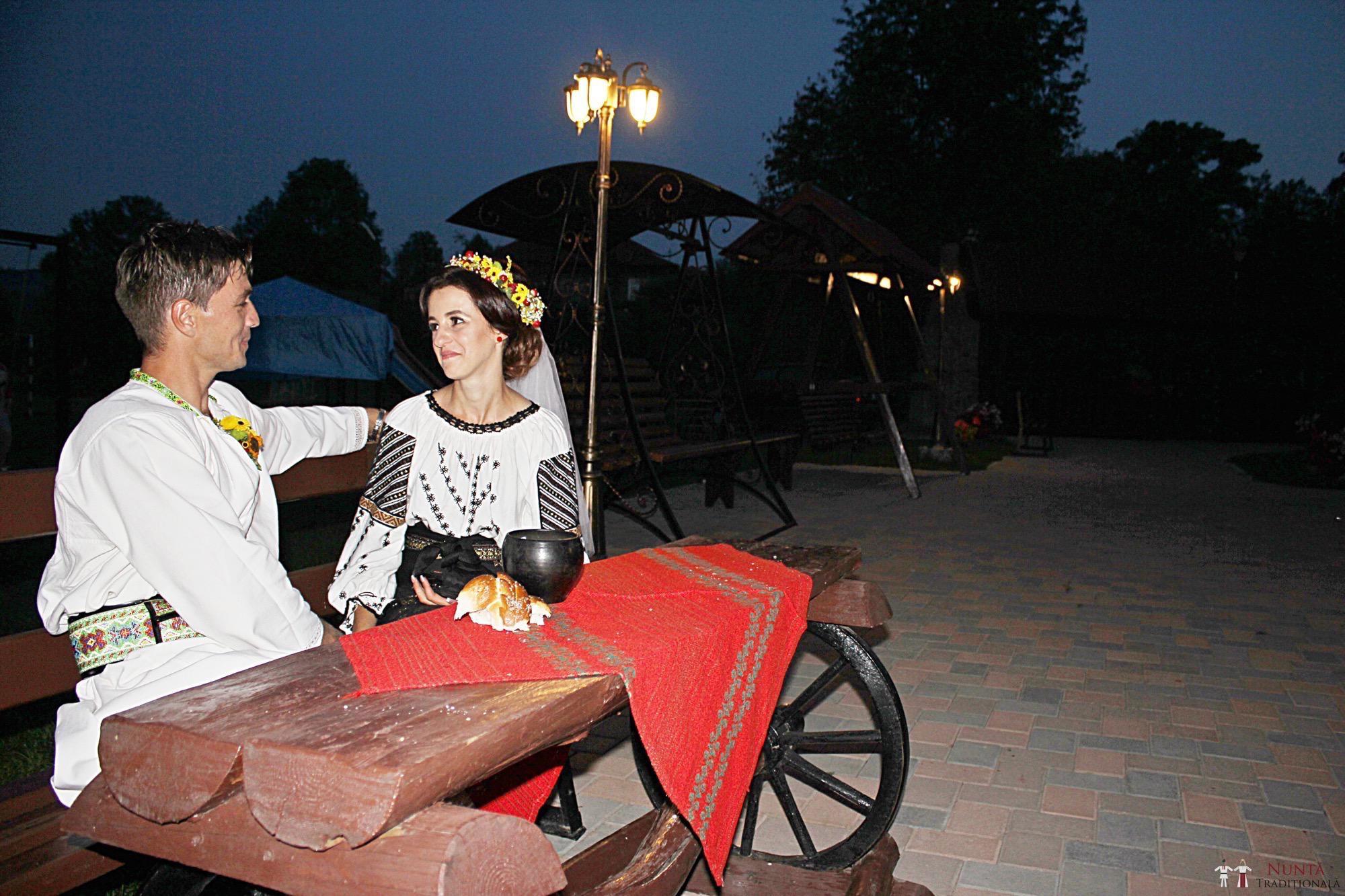 Povești Nunți Tradiționale - Geta și Gavril. Nuntă acasă, în Bucovina. 15