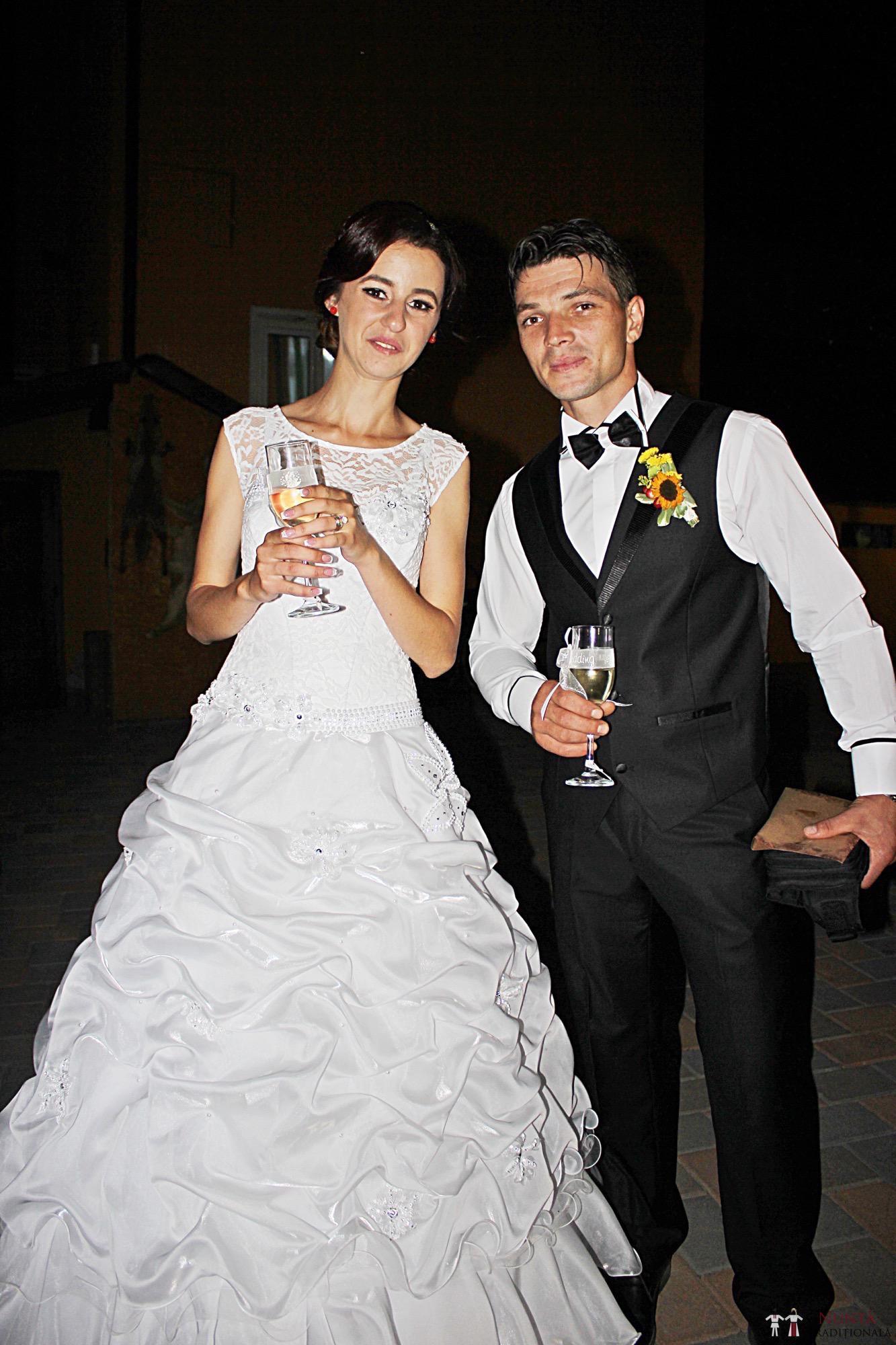 Povești Nunți Tradiționale - Geta și Gavril. Nuntă acasă, în Bucovina. 17