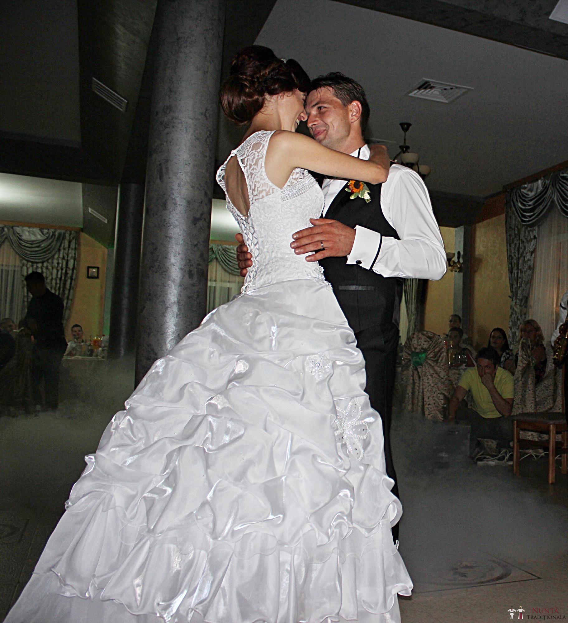 Povești Nunți Tradiționale - Geta și Gavril. Nuntă acasă, în Bucovina. 18