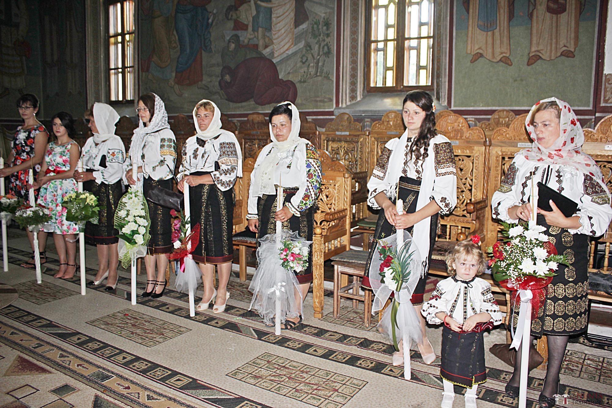 Povești Nunți Tradiționale - Geta și Gavril. Nuntă acasă, în Bucovina. 8