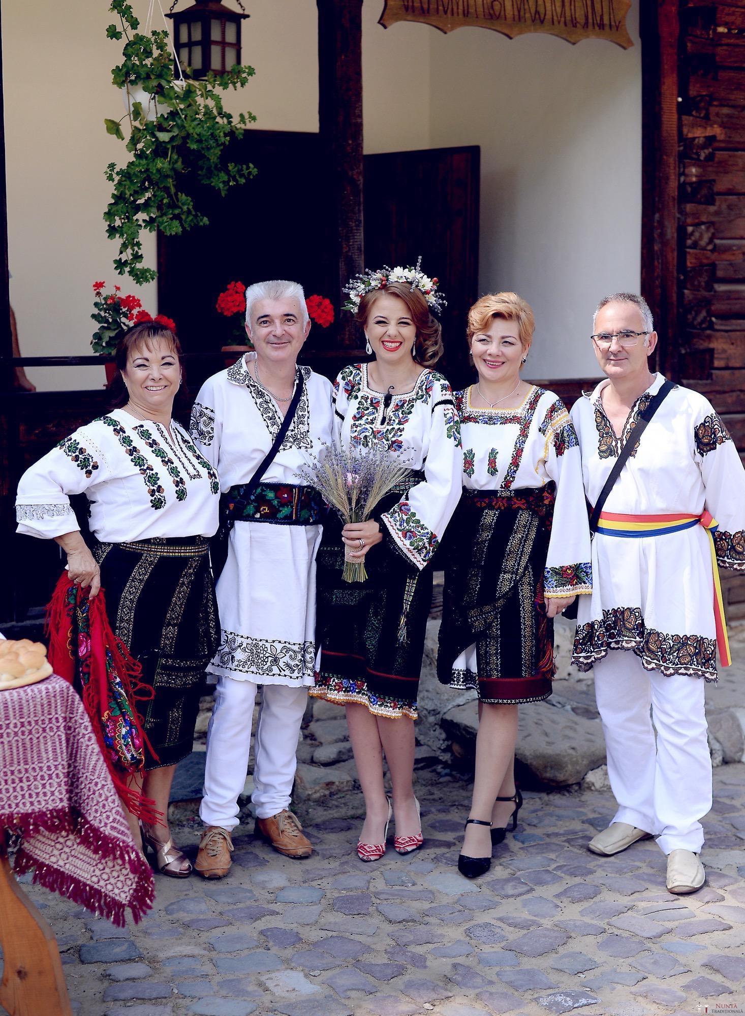 Povești Nunți Tradiționale - Iulia și Andrei. Nuntă tradițională în Bucovina. 23