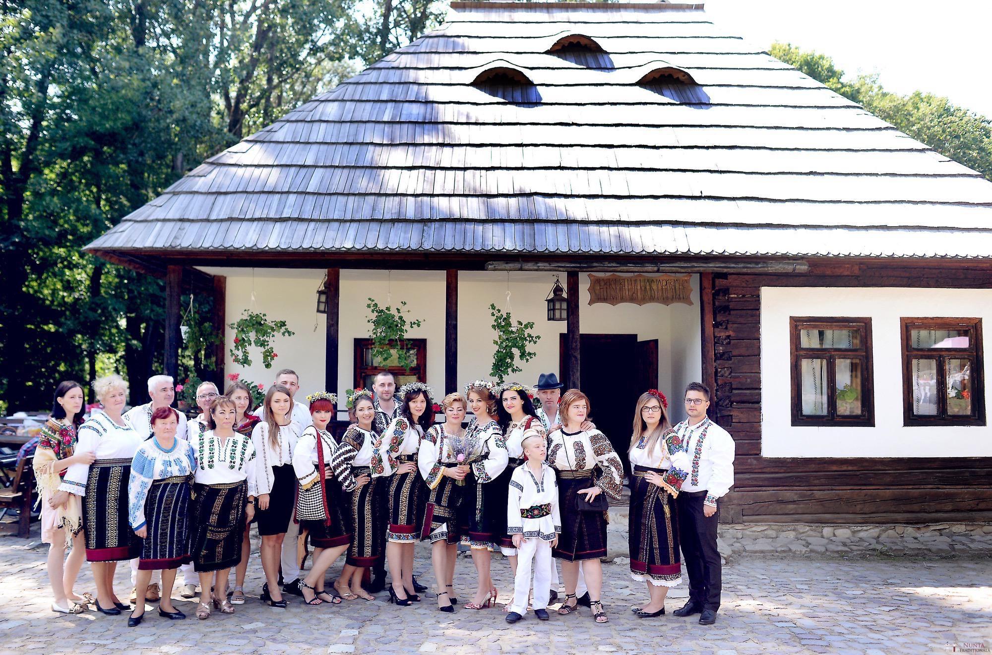 Povești Nunți Tradiționale - Iulia și Andrei. Nuntă tradițională în Bucovina. 24