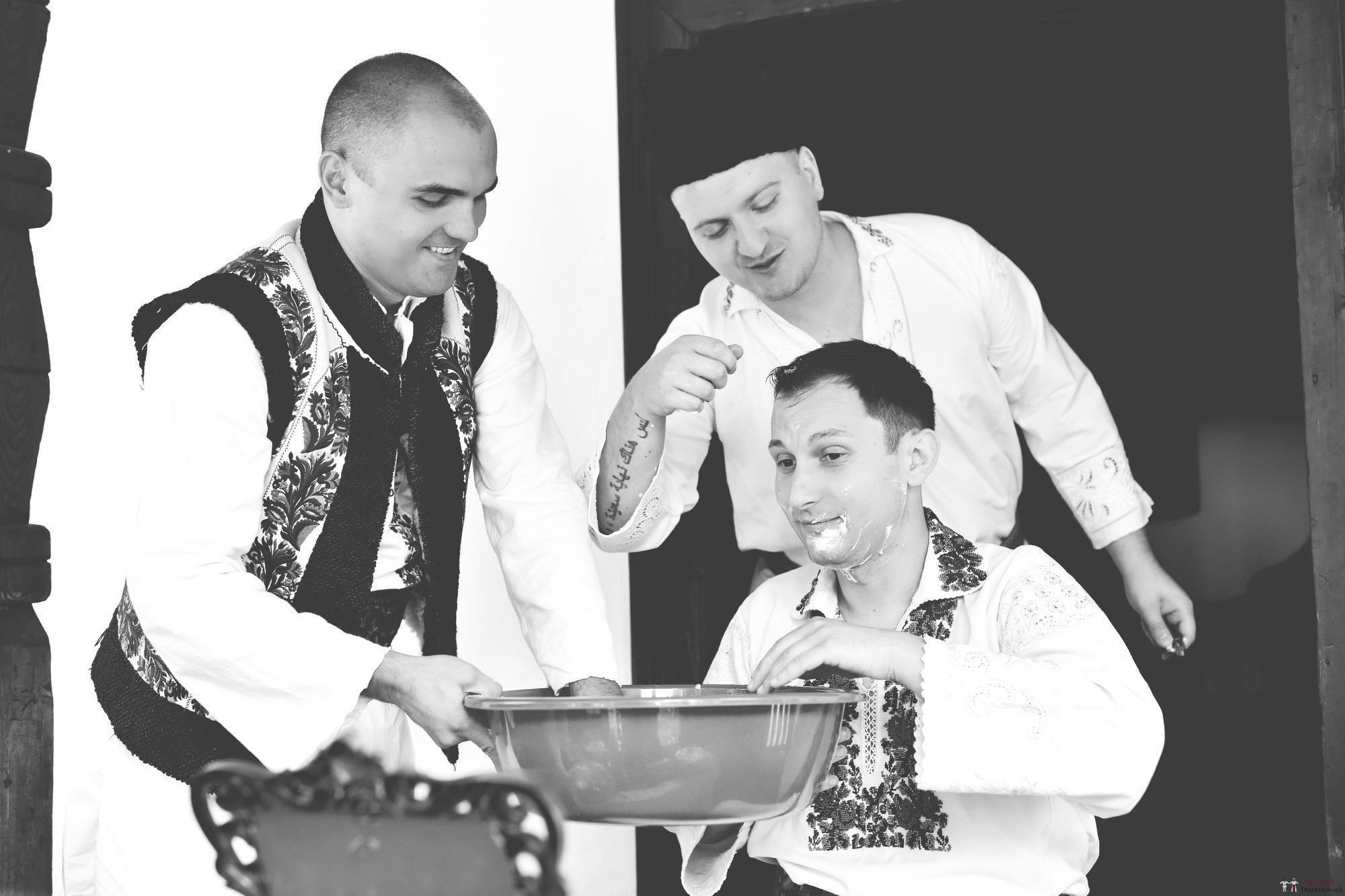 Povești Nunți Tradiționale - Iulia și Andrei. Nuntă tradițională în Bucovina. 34