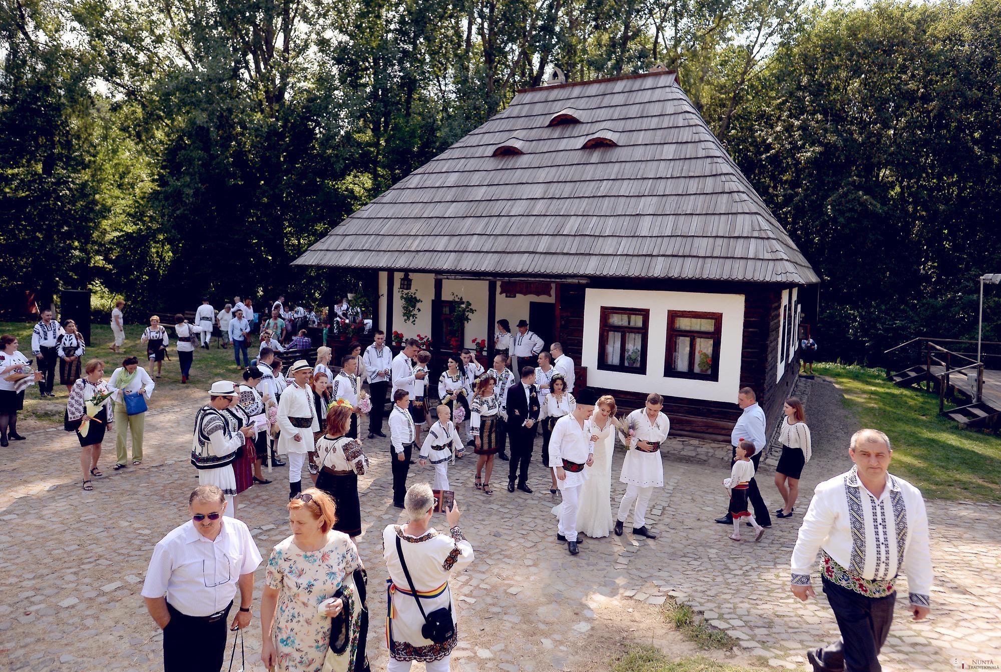 Povești Nunți Tradiționale - Iulia și Andrei. Nuntă tradițională în Bucovina. 56