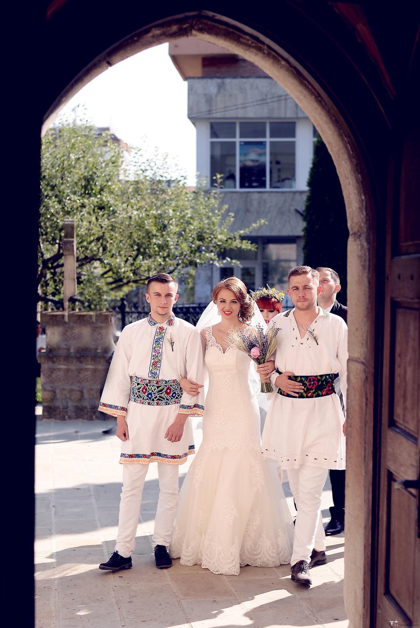 Povești Nunți Tradiționale - Iulia și Andrei. Nuntă tradițională în Bucovina. 61