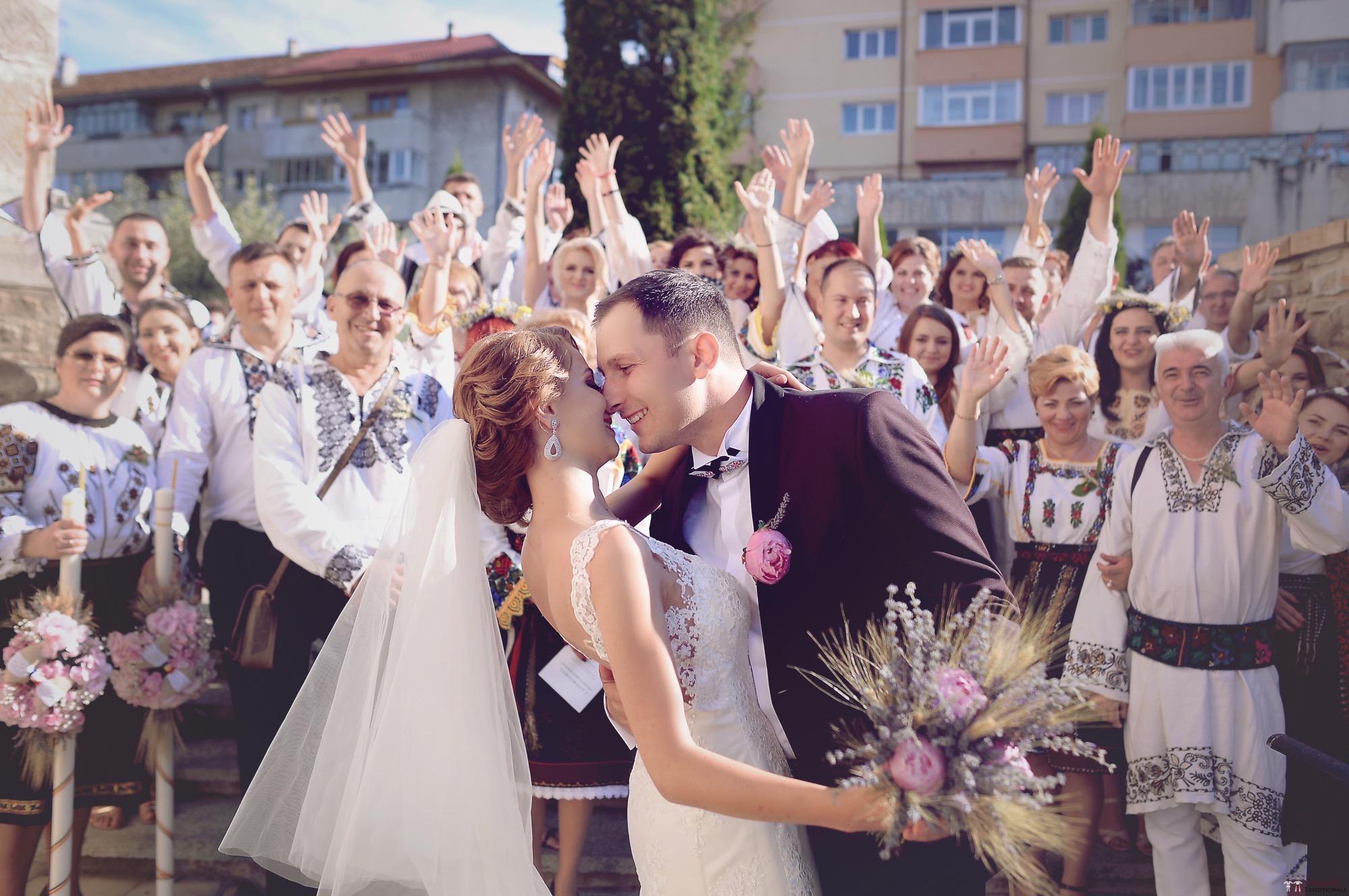 Povești Nunți Tradiționale - Iulia și Andrei. Nuntă tradițională în Bucovina. 68